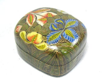 Vintage Kashmiri Papier Mache Trinket Box with Floral Decoration, Indian Paper Mache Box, Bohemian Decor, Boho Chic, Bohemian Xmas Gift Box