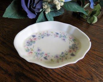 """Vintage """"Angela"""" Wedgwood bone china trinket dish"""