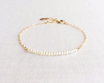 Seed Bead Pearl 1.5mm Dainty Bracelet, Beaded Bracelet, Bead Bar Barcelet, Tiny Gold Bracelet, Delicate Bracelet, Minimal Bracelet, GBB6