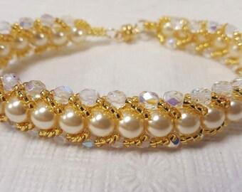Flat spiral seed bead bracelet