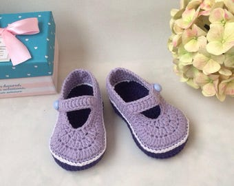 Heart booties Baby mary janes Crochet baby booties Purple booties Baby booties Valentines baby shoes Snug baby booties Mary jane booties