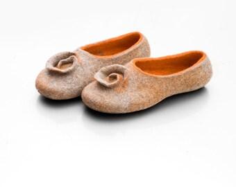 Orange felted slippers, Wool slippers women slippers, Warm slippers, Felted footwear, house shoes, girlfriend gift for wife, housewarming
