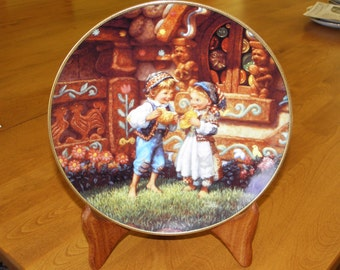 "Knoweles Collector Plate # 4096A - Hansel and Gretel ""Classic Fairy Tales"""