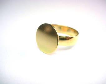 ring tray in shiny gold tone
