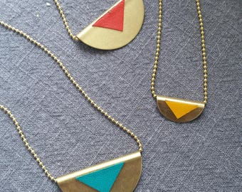 Dome necklace in brass and leather, mini or maxi version