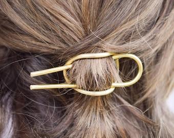 Minimal curved brass hair cuff, ponytail holder, hair barrette, simple brass hair accessory, bun pin, hair holder, hair jewelry
