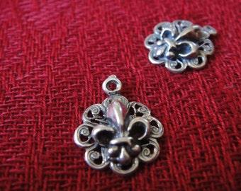 1 pc. 925 sterling silver oxidized Fleur De Lis charm, or pendant