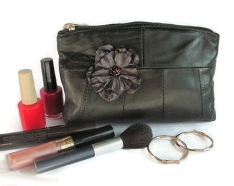 Leather Cosmetic Bag Beauty Makeup case Leather purse Gift For Mother Gift For Her Makeup Bag Cosmetic pouch Purse Christmas gift