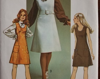 Simplicity Pattern 9235, size 16, Vintage 1970, uncut with instructions.