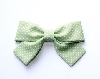 Green Dot Bow