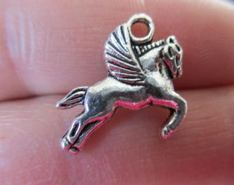 Set of 10 Horse w/wings Charms
