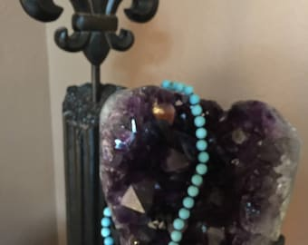 Nodded Magnesite Turquoise Necklace