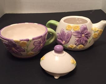 Ganz Bella Casa Teapot