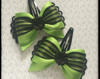 pair of pinup bow barrettes anchors