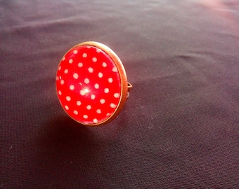 Red Ring and 5 white #BR dots