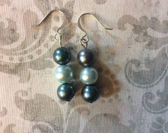 Gifts for her, womens jewelry, silver plated jewelry, glass earrings, round pearls, Pearl earrings, womens earrings, handmade jewelry