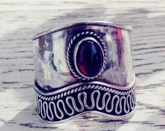 Vintage Sterling Silver Wide Band Garnet Ring Size 8