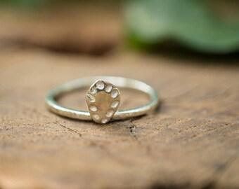 Floating leaf ring