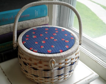 Vintage Red Strawberries White Woven Sewing Basket - Retro Singer Strawberry Sewing Storage Bin - Collectible Sewing Box Supply Holder Gift