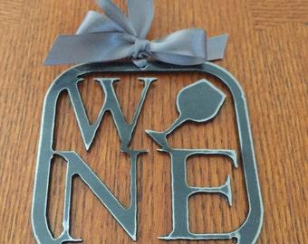 Wine ornament metal