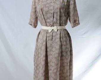 Vintage beige ruffle round neck button up midi dress in floral print