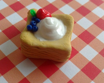 Adorable and realistic puff pastry dessert for dolls, fresh from the Sugared Petals Bakery