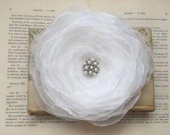 White Organza Flower Hair Clip.White Organza Flower Brooch.Large Flower Brooch.bridal hair piece.wedding headpiece.Hair Pin.hair accessory