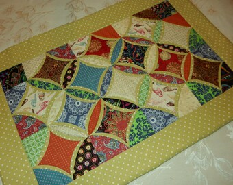 Table Topper Cathedral Window Blocks 17 x 25