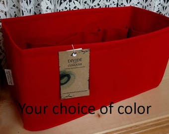 Fits Neverfull MM / Snug or Relaxed fit / 12 x 6 x 6H or 11.5 x 5.5 x 6H / You choose the color / Stiff wipe-clean bottom & flexible ends