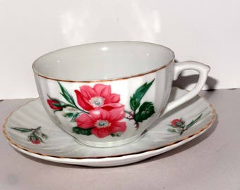 Made in Japan White China Gold Leaf Pink Roses Tea Cup Saucer Home and Garden Kitchen and Dining Tableware Drinkware Coffee and Tea Cups