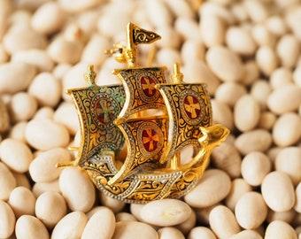 Vintage Damascene Ship Brooch/ Ship Brooch Made in Spain/ 1960s Vintage Brooch/ Vintage Pin/ Vintage Jewelry/ Costume Jewelry/ Nautical Pin