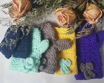 Crochet bow gloves and fingerless mittens