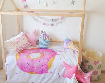 Bedding set with Donut