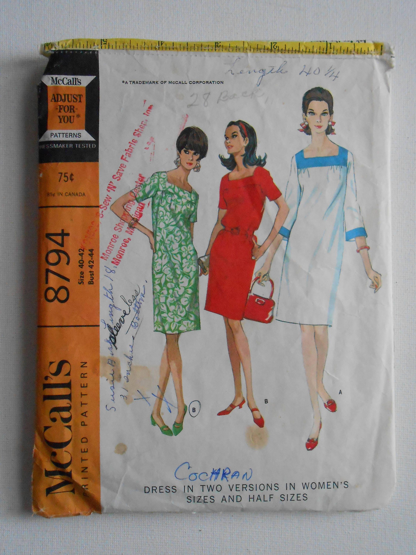 Vintage 60er Jahre Frauen Abend Platz Hals Shift Kleid