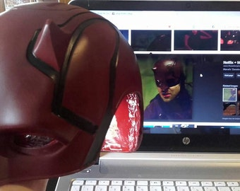 DAREDEVIL season 2 cowl