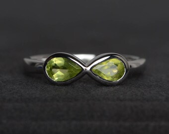 natural peridot ring peridot wedding ring August birthstone pear cut green gemstone sterling silver ring