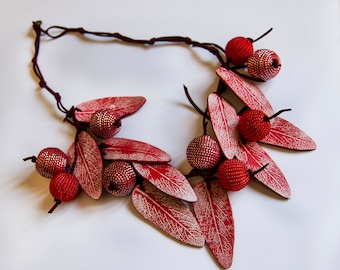 FEUILLAGE OOAK choker of leather necklace leaves print red