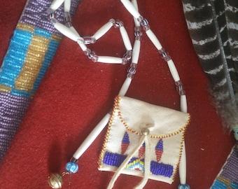 Amulet pouch, medicine bag, native american, Sioux, Cheyenne style medicine pouch, shaman, medicine man, zeremonie, healing stone,  indian