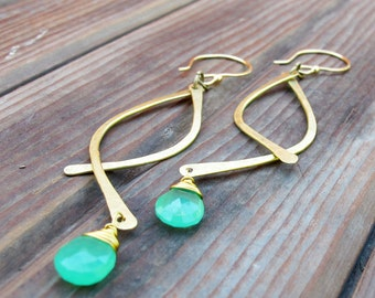 Swoops - Brass and Chrysoprase Metalwork Earrings - Semi-precious stones - Artisan Tangleweeds Jewelry