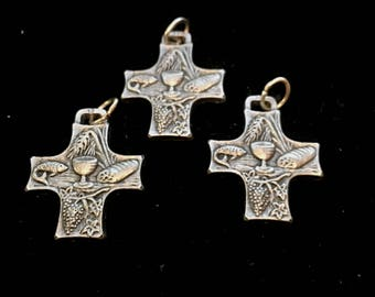 Loaves And Fishes Communion Cross LOT OF 3  Medal Italy Wheat and Grapes 1 Inch Tall