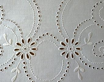 Polish Vintage Handmade White Linen Tablecloth/Beautiful Polish Handmade Embroidered Tablecloth/Polish Handmade Richelieu White Tablecloth