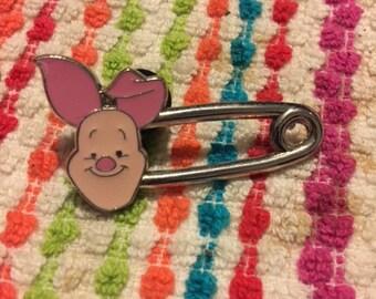Disney Winnie the Pooh Piglet Safety Pin Needle Minder