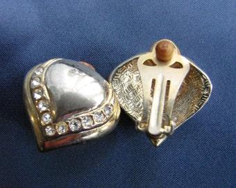 Vintage Gold und Strass abstrakte Herz Clip auf Ohrringe, aus England in den 1980er Jahren, formelle Ohrringe, Abendmode