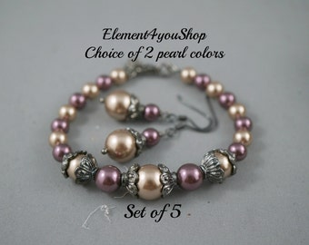 Bridesmaid jewelry set, Wedding jewelry, Bridesmaid bracelet set of 5, Navy blue light grey pearl, gunmetal black chain, Attendant girl gift
