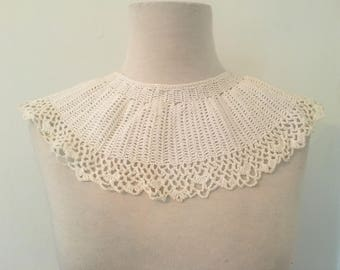 Vintage Crochet Bib Collar | White Crochet Collar | Knit Crocheted Collar Accessory