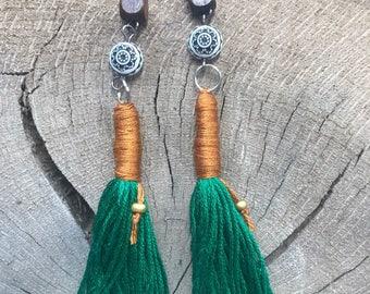 Sutra tassel earrings in emerald
