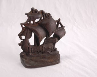 Cast Iron Ship Doorstop Vintage Clipper Galleon  Sailing Pirate Ship Boat Theme Bookend Doorstop Iron Home Decor Industrial Man She Cave