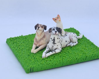 Group of pets, big dogs and cat. Cute figurines. Custom made pets. Base on your pictures. Personalize pet. Pet cake topper