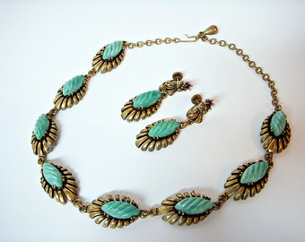 GREEN MOONGLOW THERMOSET Demi Parure Necklace and Earrings