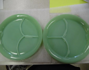 fire king restaurant ware plates, fire king jadite divided plates, 3 part divided plates, vintage fireking, old fire king